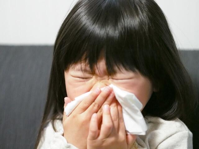 風邪を引いた子供